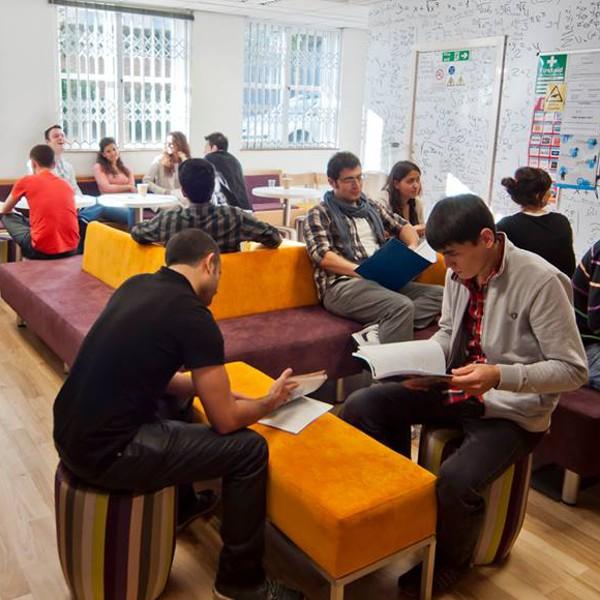 Docklands Academy London Londres Inglaterra