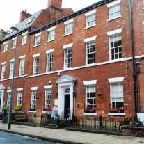 Estudar inglês em Leeds - CES - 2 Meses - Com Acomodação