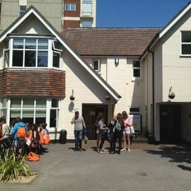 United World School of English Bournemouth Inglaterra